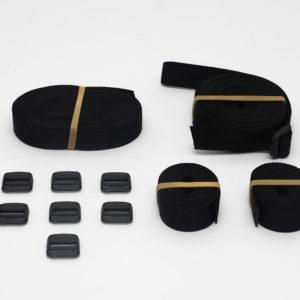 Adjustable strap kit for fastening Seaboost Powerturf between booms.